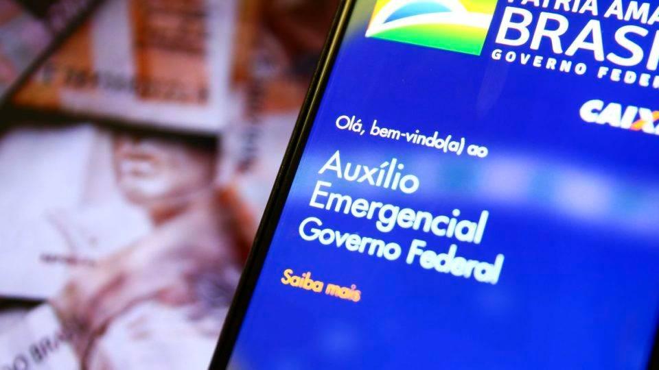 Prejuízo de R$ 1 bilhão: 680 mil servidores receberam auxílio emergencial