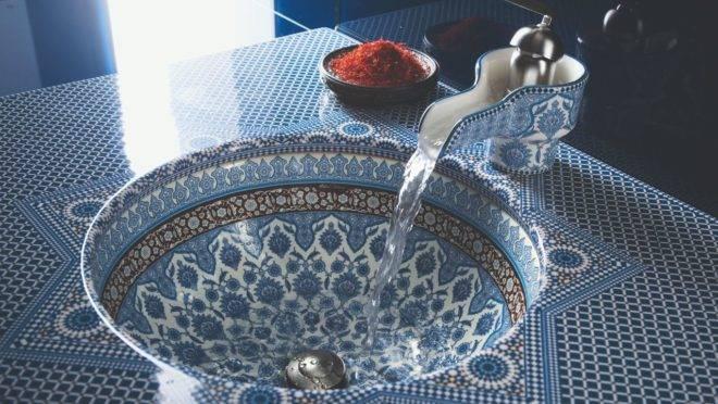 Cuba Marrakesh, da Kohler, foi inspirada nos mosaicos encontrados nos pátios marroquinos. Foto: Divulgação