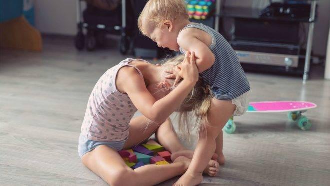 5 maneiras de agir quando os filhos começam a brigar