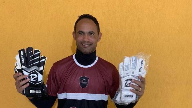 Goleiro Bruno foi anunciado como reforço do Rio Branco, do Acre