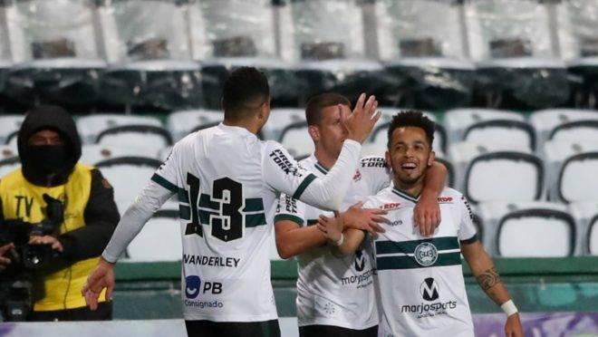 Rafinha marcou o primeiro gol da vitória sobre o Cianorte