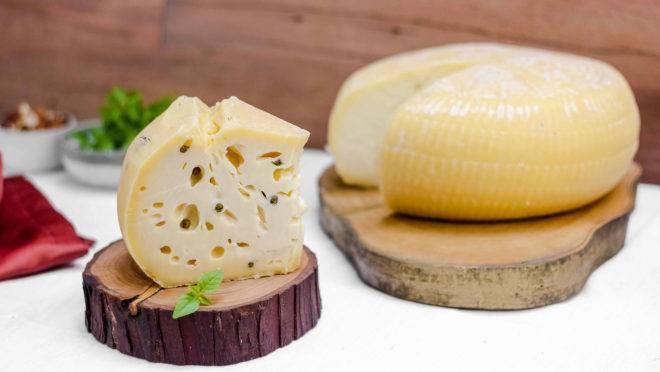 Queijo curado Caciotta integra a Mozzabox, caixa especial com produtos da Mozzarellart.