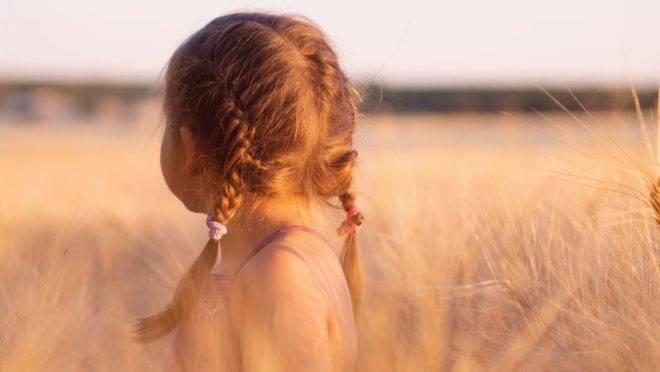 As respostas oferecidas por quem está ao redor das crianças têm o poder de moldar suas identidades.