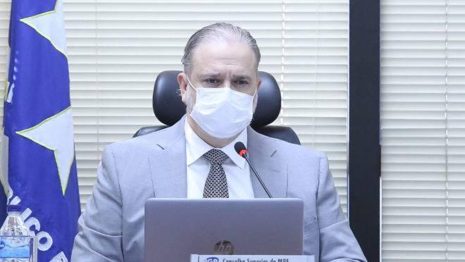 Procurador-geral Augusto Aras tem feito críticas recorrentes à atuação da Lava Jato: agora, instituiu uma espécie de aviso prévio em forças-tarefas.