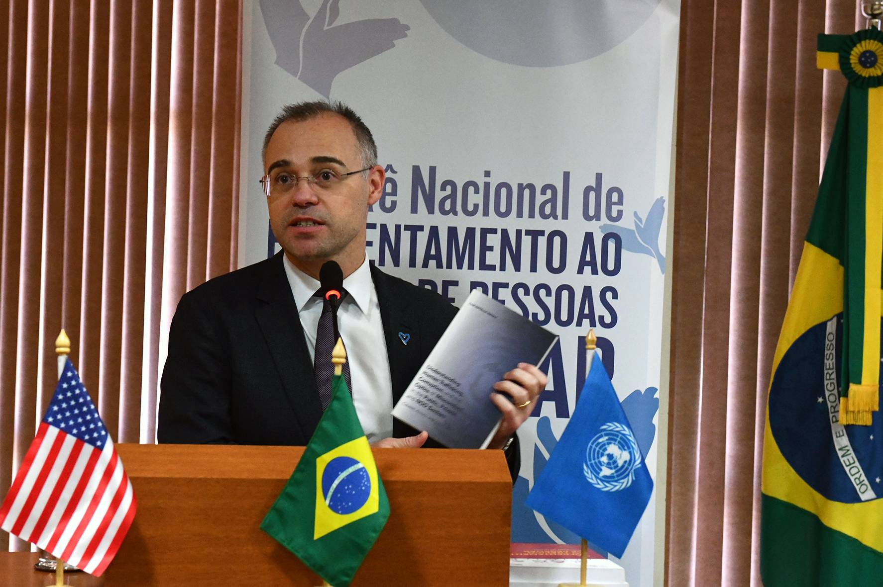 """Ministro da Justiça, André Mendonça, tem a seu favor o fato de ser """"terrivelmente evangélico""""."""