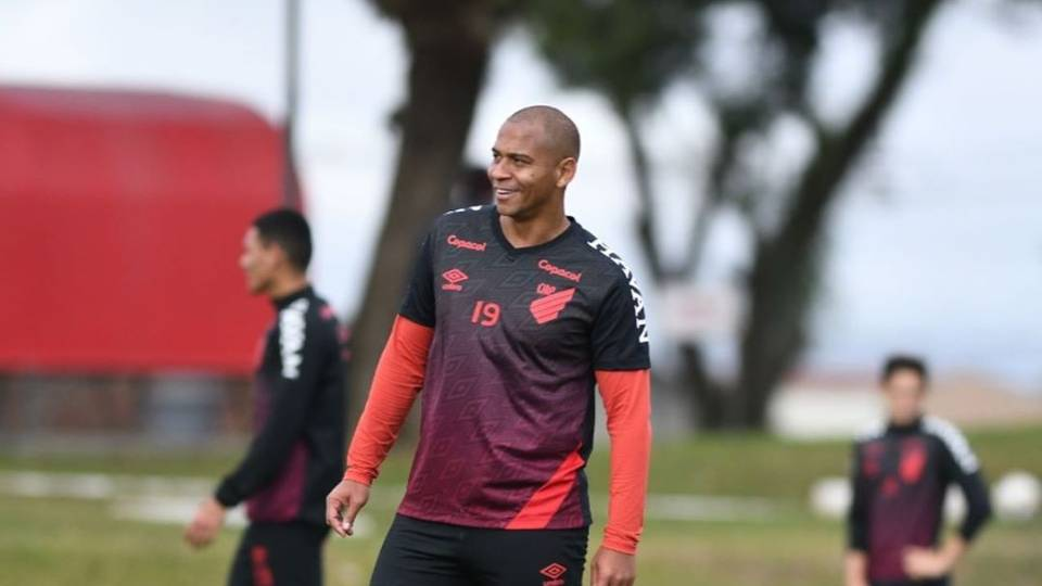 "Walter provoca Coritiba: hoje tem ""coxinha"" no cardápio"