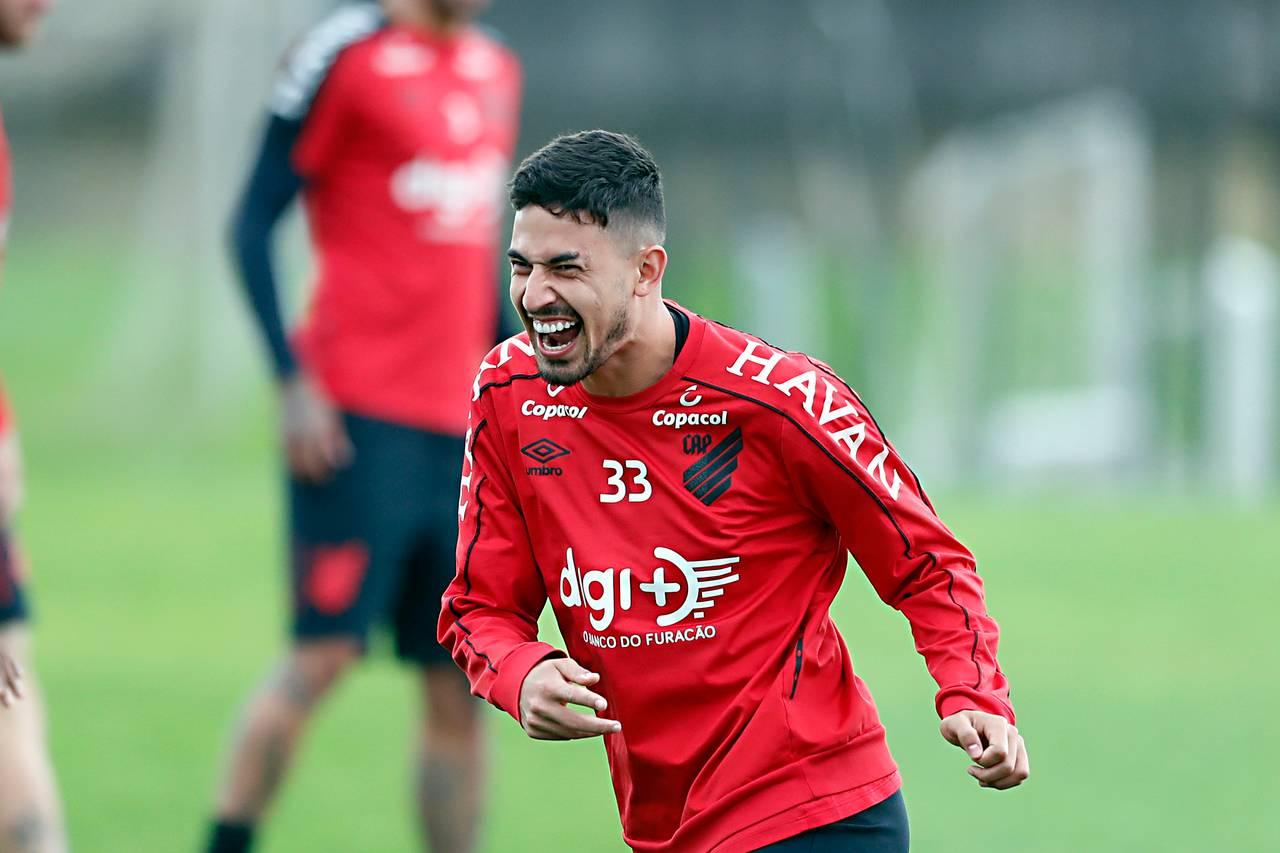 Pedro Henrique veio emprestado pelo Corinthians em 2019 e agora teve os direitos comprados pelo Furacão. Foto: Albari Rosa/Arquivo/Gazeta do Povo