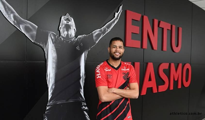 Geuvânio brigará pela titularidade, mas precisa de ritmo de jogo. Foto: Divulgação/Athletico