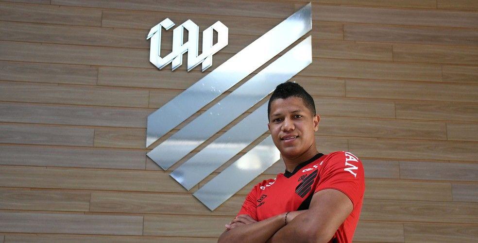 Alvarado chega com aposta, mas pode surpreender ao longo da temporada. Foto: Divugalção/Athletico