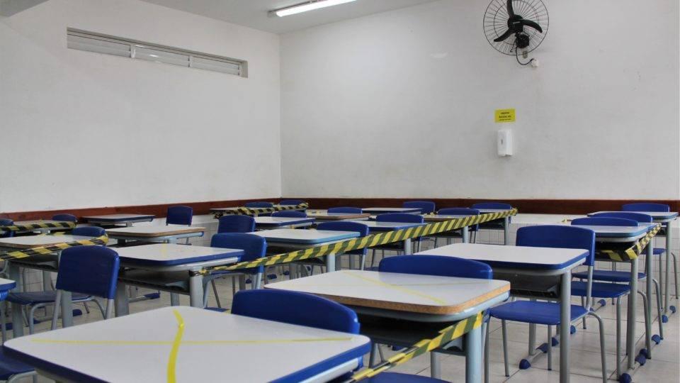 Ministério da Saúde orienta  escolas sobre a volta às aulas: termômetro, máscara e distanciamento