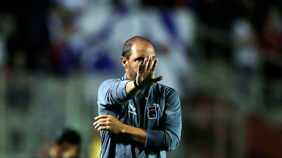 Apesar de empate frustrante, técnico confia no Paraná brigando pelo acesso