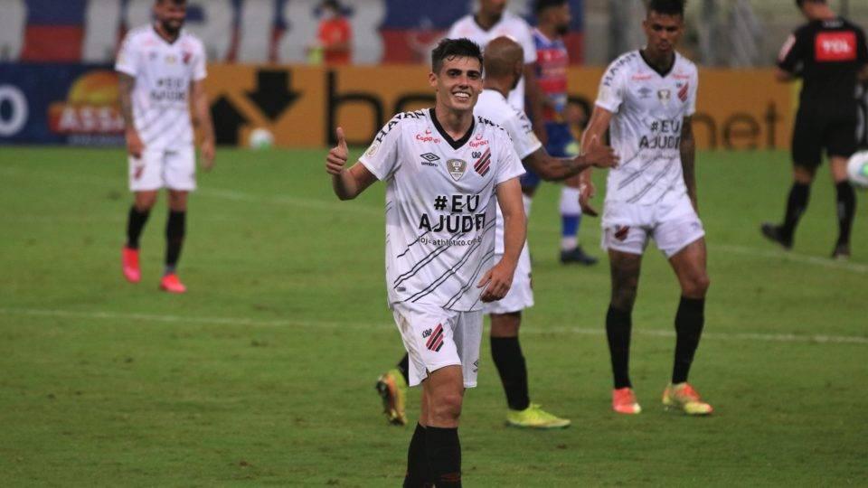 Athletico estreia no Brasileirão com vitória sobre o Fortaleza fora de casa