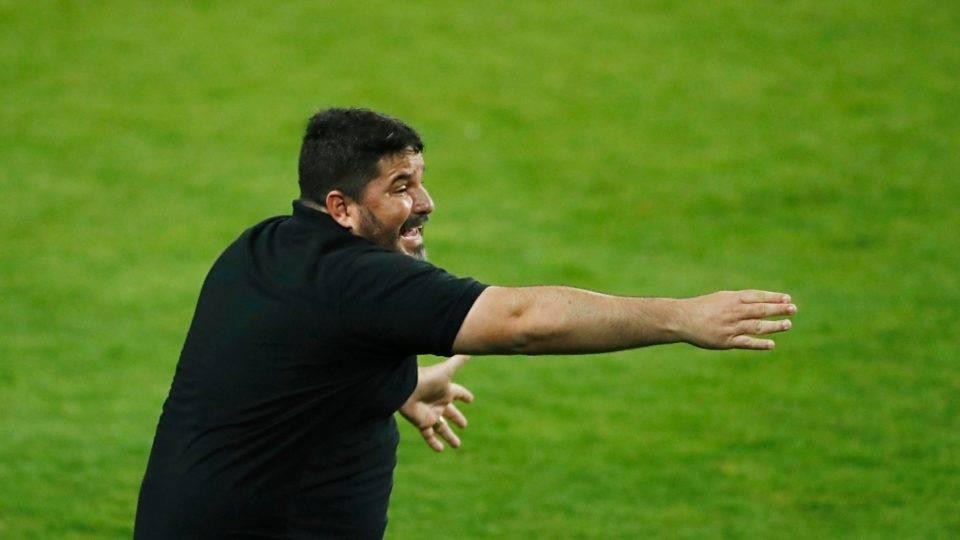 """Técnico do Coritiba lamenta """"jogadores fora de combate"""" na derrota para o Inter"""