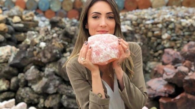 A energia das pedras brasileiras é um dos pontos fortes da marca que tem sua produção 100% nacional