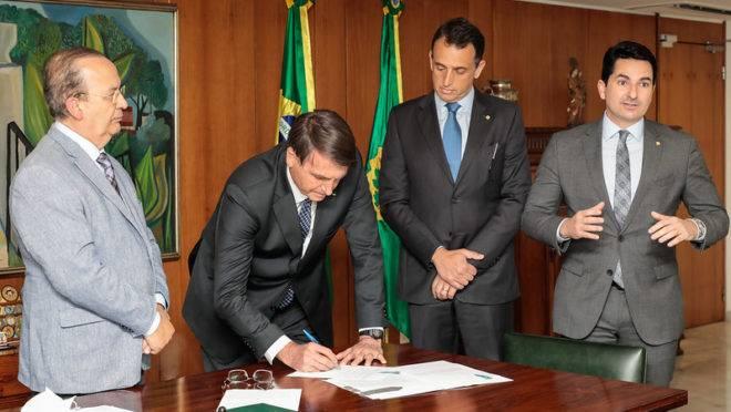 bolsonaro-assina-lei-renegociacao-dividas