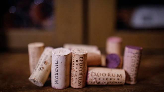 Consumo per capita de vinhos atinge máxima histórica na quarentena.