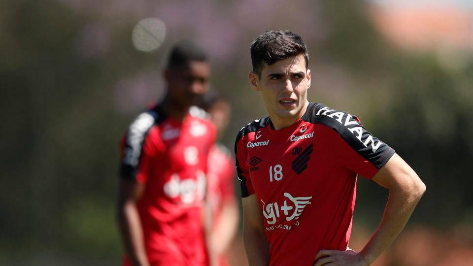 Sem Dorival, Athletico terá mudanças para enfrentar o Santos