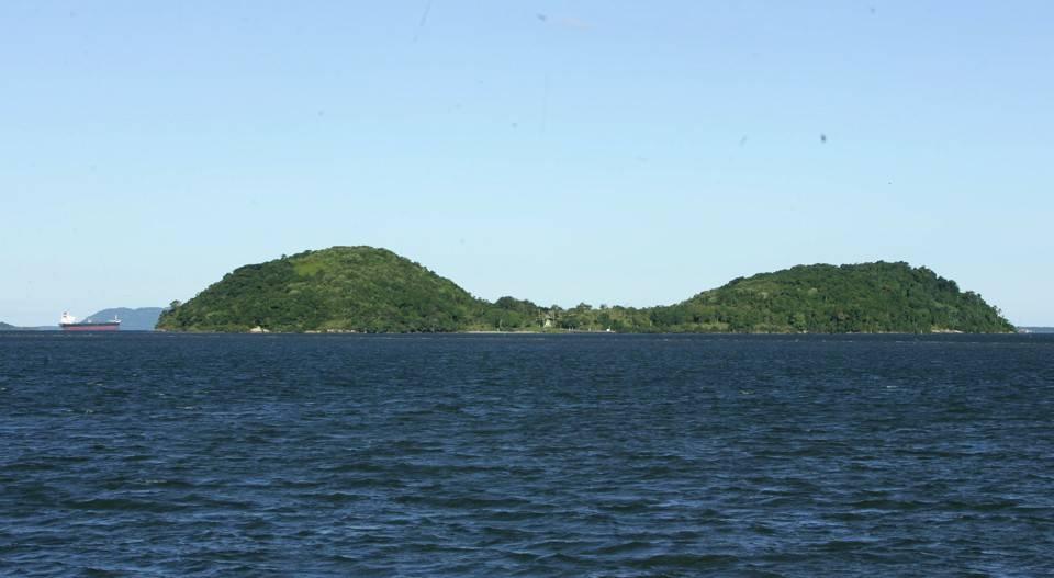 Ilha das Cobras, na Baía de Paranaguá. Foto: Daniel Castellano/Arquivo/Gazeta do Povo