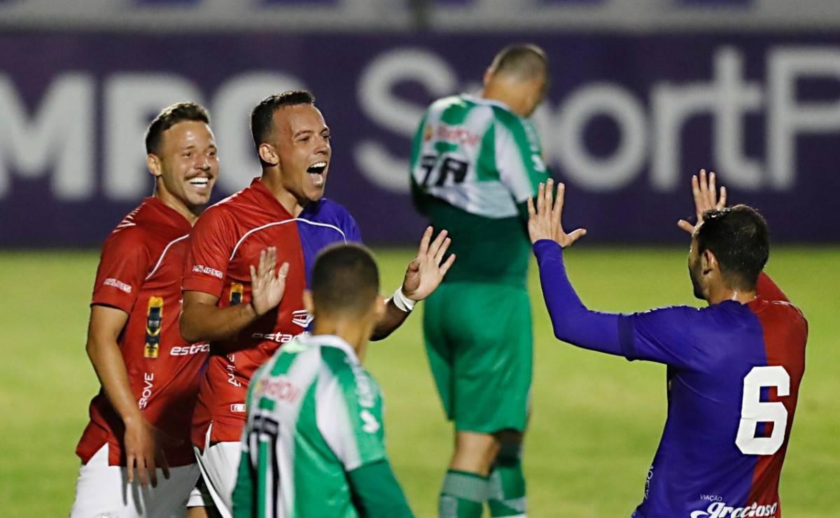 Andrey foi decisivo na vitória do Paraná sobre o Juventude.