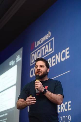 """Higor Franco, diretor-geral de varejo da Locaweb, startup considerada """"camelo""""."""