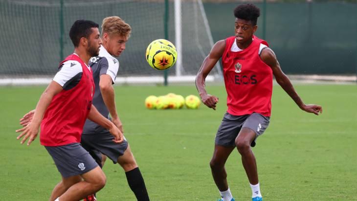 Robson Bambu vai estrear no Campeonato Francês   Crédito:   Jean-Marc Ponte/Site oficial Nice