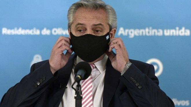 O presidente argentino Alberto Fernández declarou telefonia e internet serviços públicos essenciais e congelou aumento das tarifas até o fim do ano