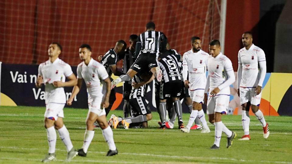 Paraná perde para o Botafogo e é eliminado da Copa do Brasil