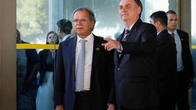 Bolsonaro veta perdão das dívidas das igrejas avaliadas em R$ 1 bilhão