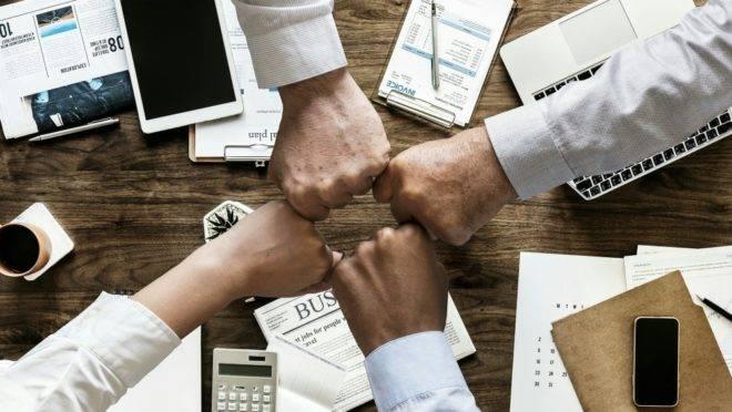 A gestão de pessoas é essencial para qualquer negócio, seja ele físico ou digital.
