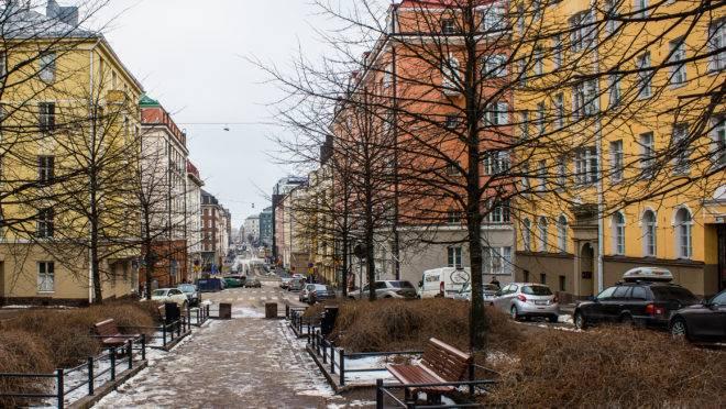 Na capital da Finlândia, Helsinki, um programa de amparo utiliza a própria moradia como meio de recuperação social.