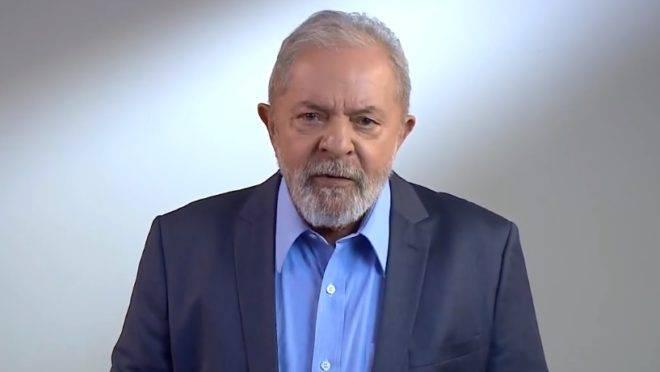 """""""Para reconstruirmos o Em vídeo, Lula diz que para reconstruir o """"precisamos de um novo contrato social entre todos os brasileiros""""."""