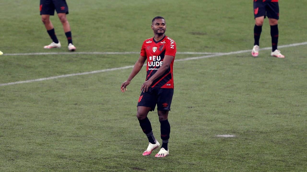 Nikão perdeu penalidade na Arena. Foto: Gabriel Rosa/Foto Digital/Gazeta do Povo.