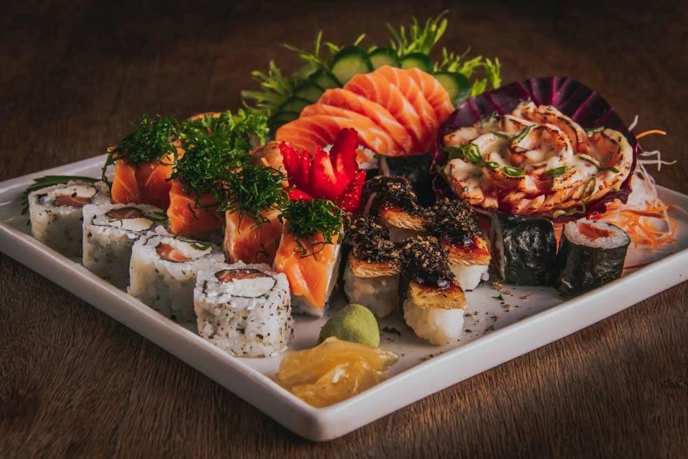 Os combinados e outras opções da comida japonesa continuam em cartaz.