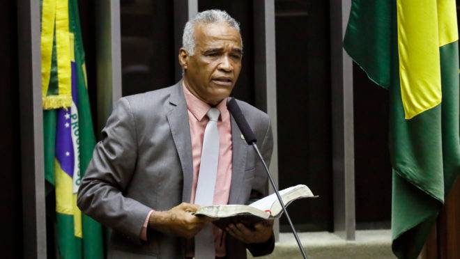 Pastor Sargento Isidório é candidato a prefeito de Salvador pelo Avante.