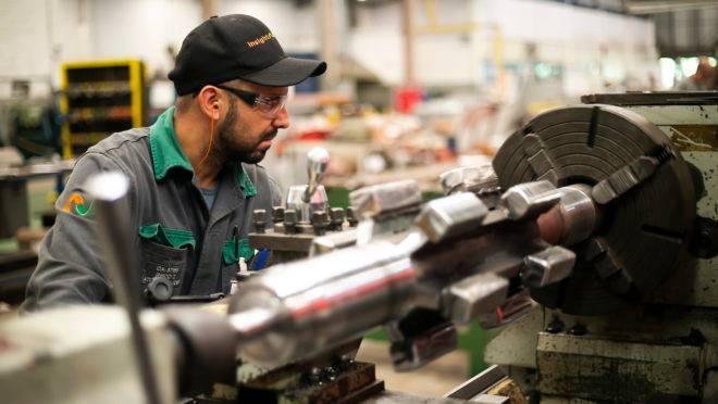 Industrial paranaense avalia o cenário de forma positiva, mas aguarda retomada mais intensa da economia