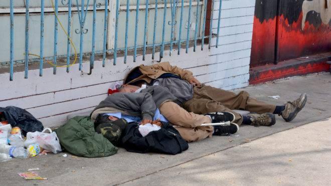 """Em São Francisco, o número de pessoas nas ruas só aumentou com as políticas de """"contenção de danos""""."""