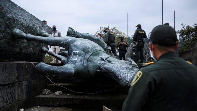 estátua colômbia