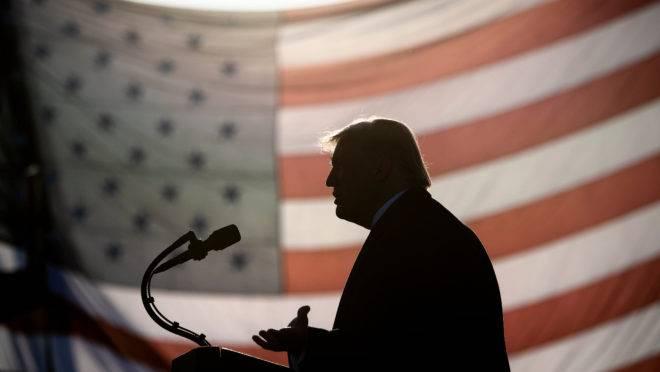 O presidente dos Estados Unidos, Donald Trump, era o destinatário de uma correspondência contendo ricina.