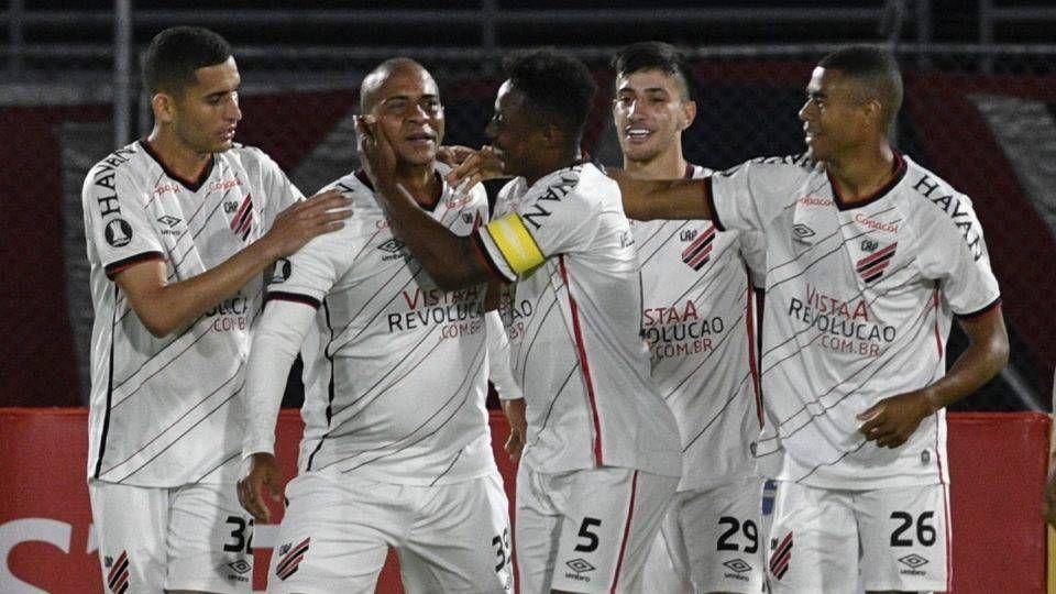 Walter fez o gol da vitória do Athletico na Libertadores. Foto: AIZAR RALDES /
