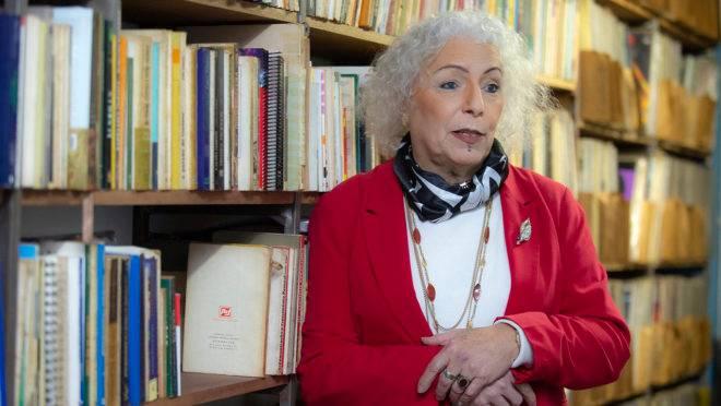 Psicanalista, economista e mestre em sociologia, Letícia Lanz, foi escolhida pelo Psol na disputa pela prefeitura da capital paranaense