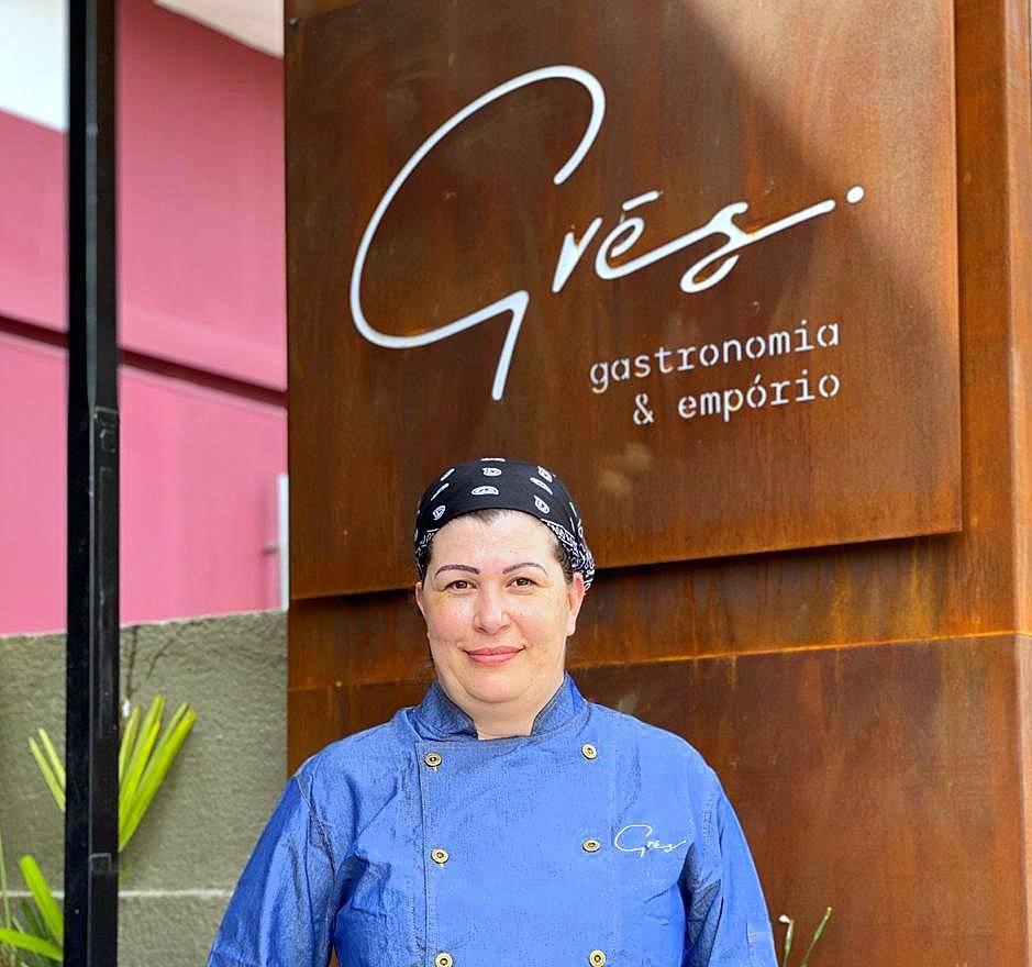Simone Matoso, a criativa e inspirada chef do Grés Gastronomia & Empório.