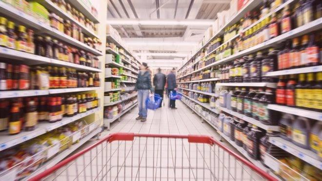 """Autores do estudo usado pela Assoc de Indústria de Alimentos para criticar o guia alimentar dizem que interpretação foi """"grosseira""""."""