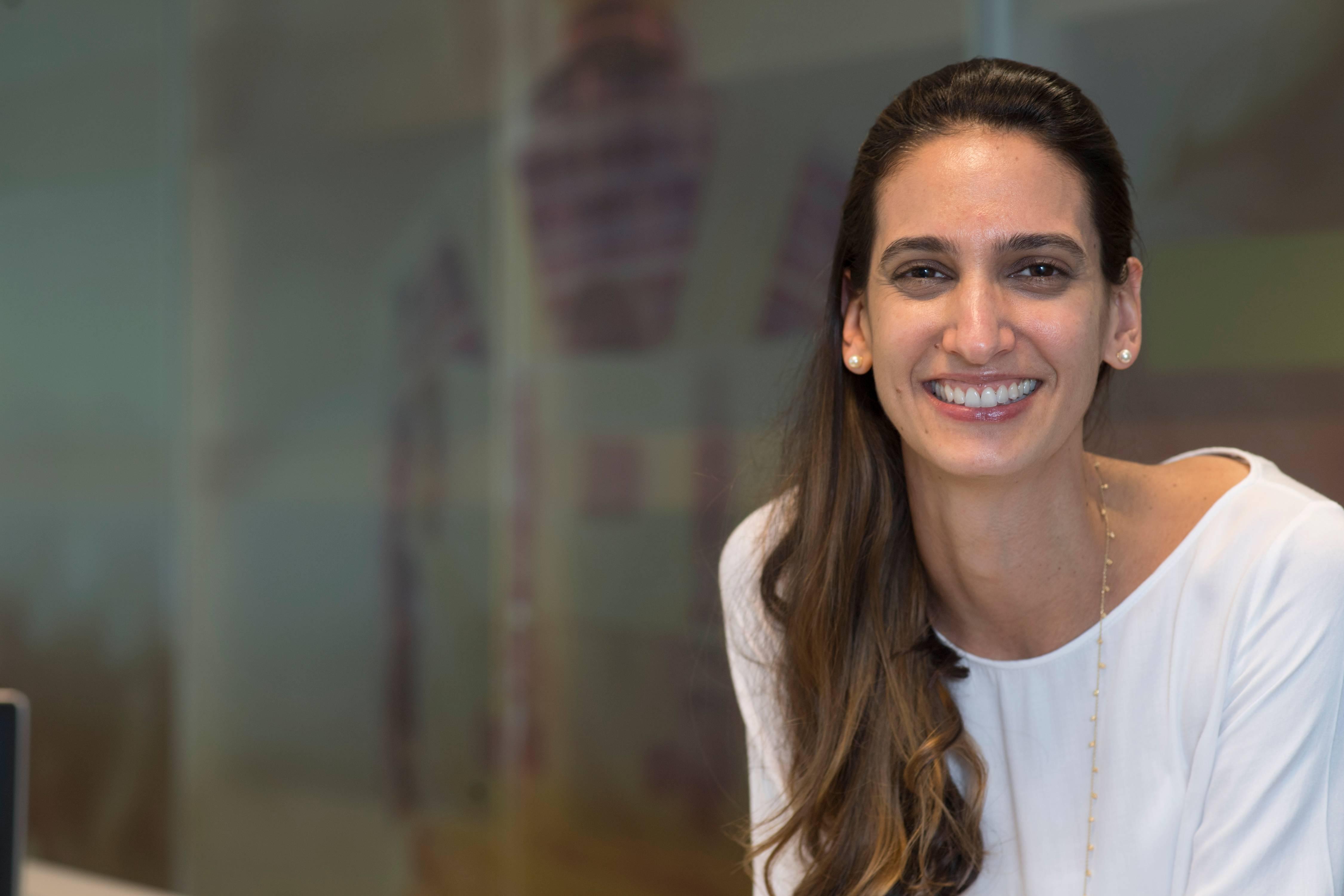 Beatriz Montiani, diretora de inovação da Visa do Brasil. Líder em pagamentos mundial, a marca aposta em programas de aceleração e desenvolvimentos de startups e fintechs como maneira de criar inovação para a empresa. Foto: Marcelo Soubhia.