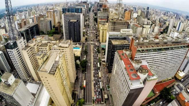 Vista aérea da Avenida Paulista, em São Paulo.