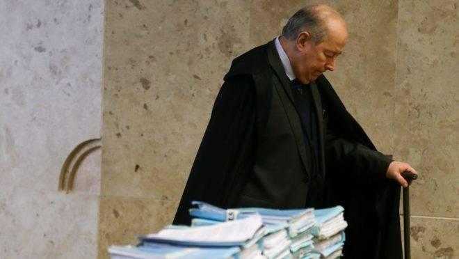 Ministro Celso de Mello anunciou que irá antecipar sua aposentadoria no STF em duas semanas.