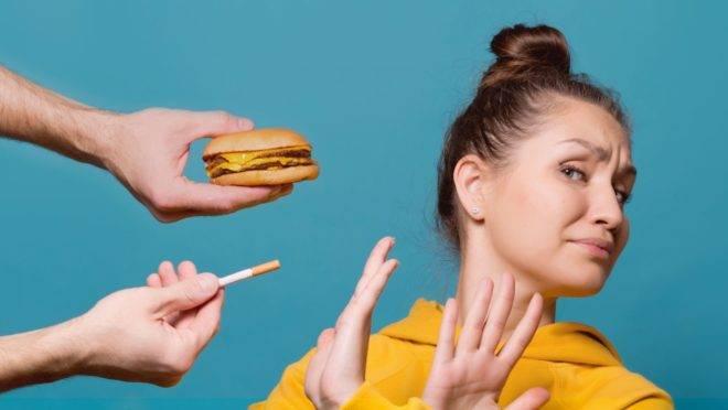 Vários fatores estão envolvidos no maior consumo de alimentos, ao parar de fumar, mas situação tem tempo para estabilizar e um erro grave você não pode cometer