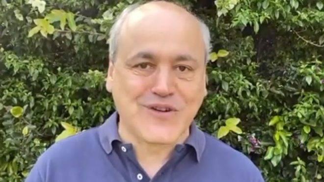 Fruet grava vídeo de apoio a Goura