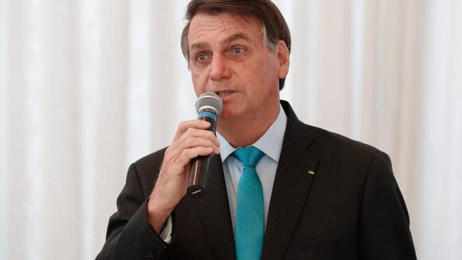 """Bolsonaro critica Doria: """"está pensando em tudo, menos na saúde do próximo"""""""