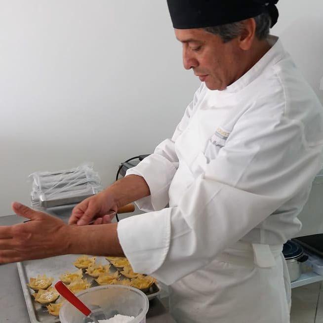 André Burigo em ação. Experiência nos sabores portugueses depois de mais de 20 anos morando por lá.