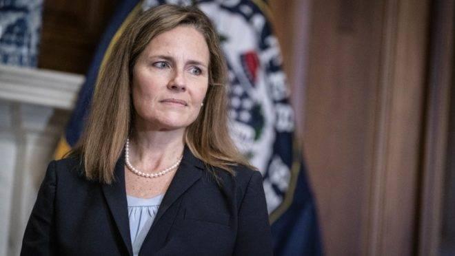 Amy Coney Barrett foi a escolhida por Donald Trump para ocupar a vaga de Ruth Bader Ginsburg na Suprema Corte dos EUA.